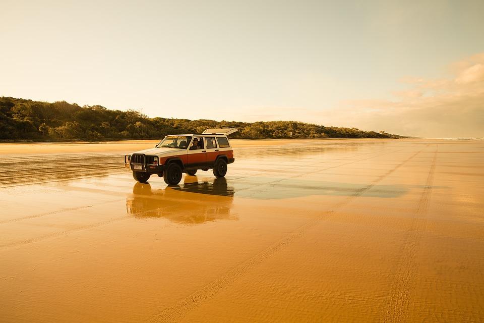 Mit Allrad auf Fraser Island